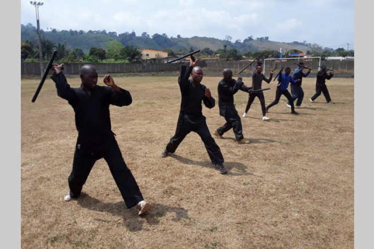 Self-défense : stage de remise à niveau des athlètes de Tchibanga