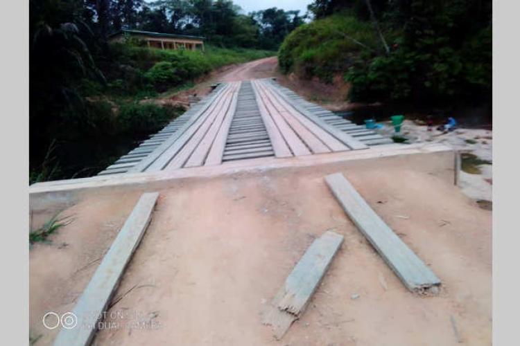 Guietsou : Un nouveaux ponts en matériaux semi-durables