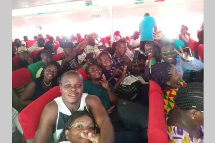 Port-Gentil : Plus d'une vingtaine de bacheliers pris en charge par un bienfaiteur
