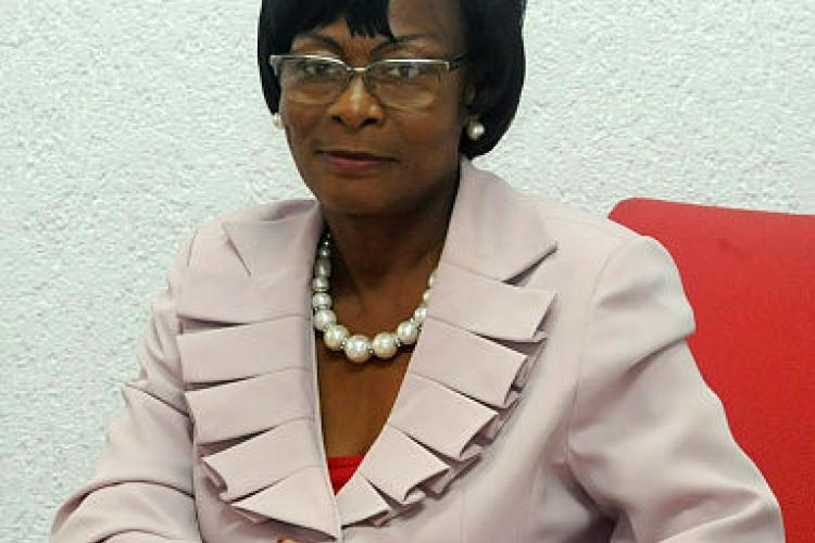 Hôtel de ville : Christine Mba Ndutume élue maire de Libreville